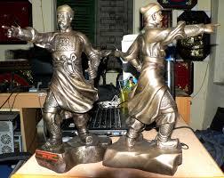 Bức tượng đồng Trần hưng đạo đúc nguyên khối chỉ tay – dodong.vn