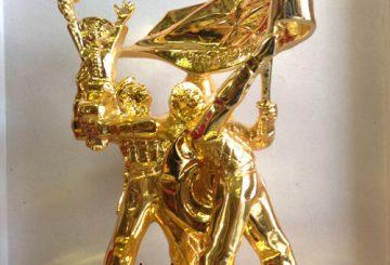 Mô hình thu nhỏ tượng đài điện biên mạ vàng cao 33cm