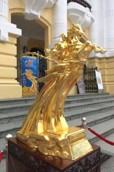 Tượng Thánh Gióng, tượng đồng quà tặng, quà biếu 10/10 – dodong.vn