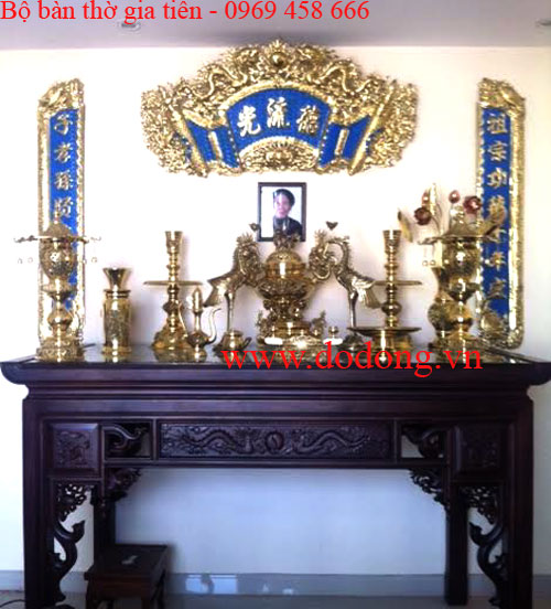 Mẫu bàn thờ gia tiên cao cấp,bộ đồ thờ đồng vàng, hoành phi câu đối sơn xanh