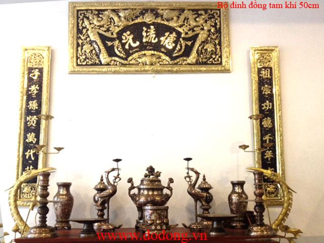 Bộ đồ thờ tam khí đồng đỏ khảm bạc ngũ sự cao 50cm bày bàn thờ