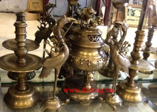 cách bày bộ đồ thờ đồng ngũ sự cao 50cm trên bàn thờ gia đình