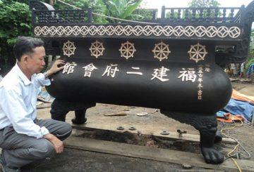 Đúc lư đồng nặng 1,5 tấn tại Sài gòn
