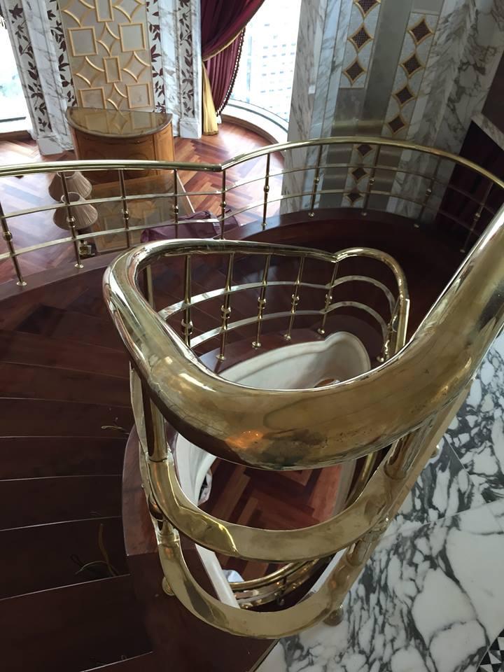 Trang trí cầu thang bằng đồng,cầu thang đồng