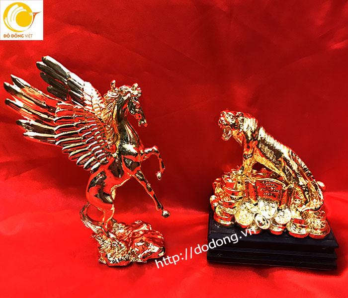 Tượng anh hùng tương ngộ,tượng ngựa có cánh,hổ cao sơn0