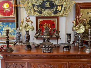 Mẫu bàn thờ cúng gia tiên kết hợp nội thất phòng thờ đẹp