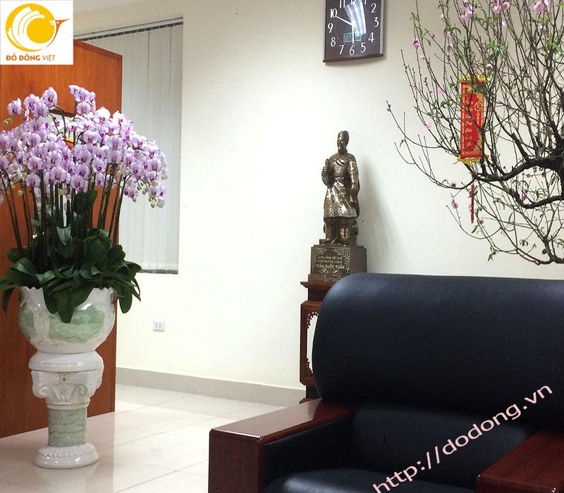 tượng tràn quốc tuấn đồng,trang trí tượng phòng làm việc