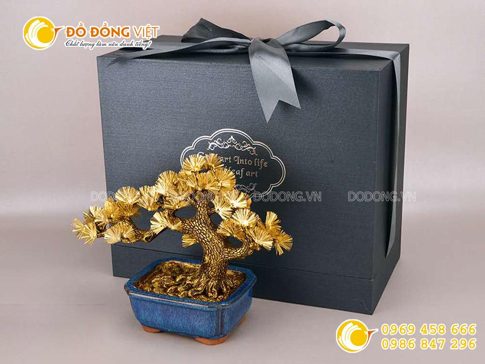Cây tùng bằng vàng- quà tặng cao cấp từ vàng 24k0