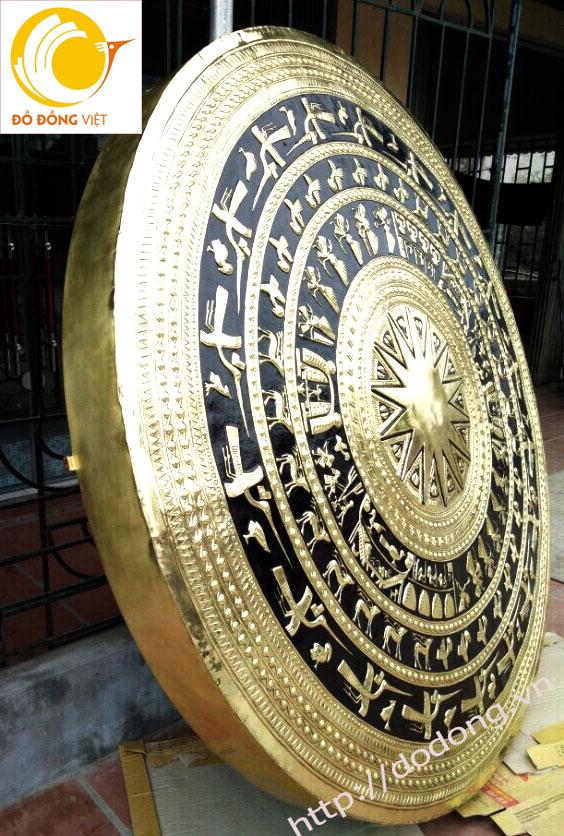 trang trí mặt trống bằng đồng cho phòng truyền thống,hội trường,phòng khách