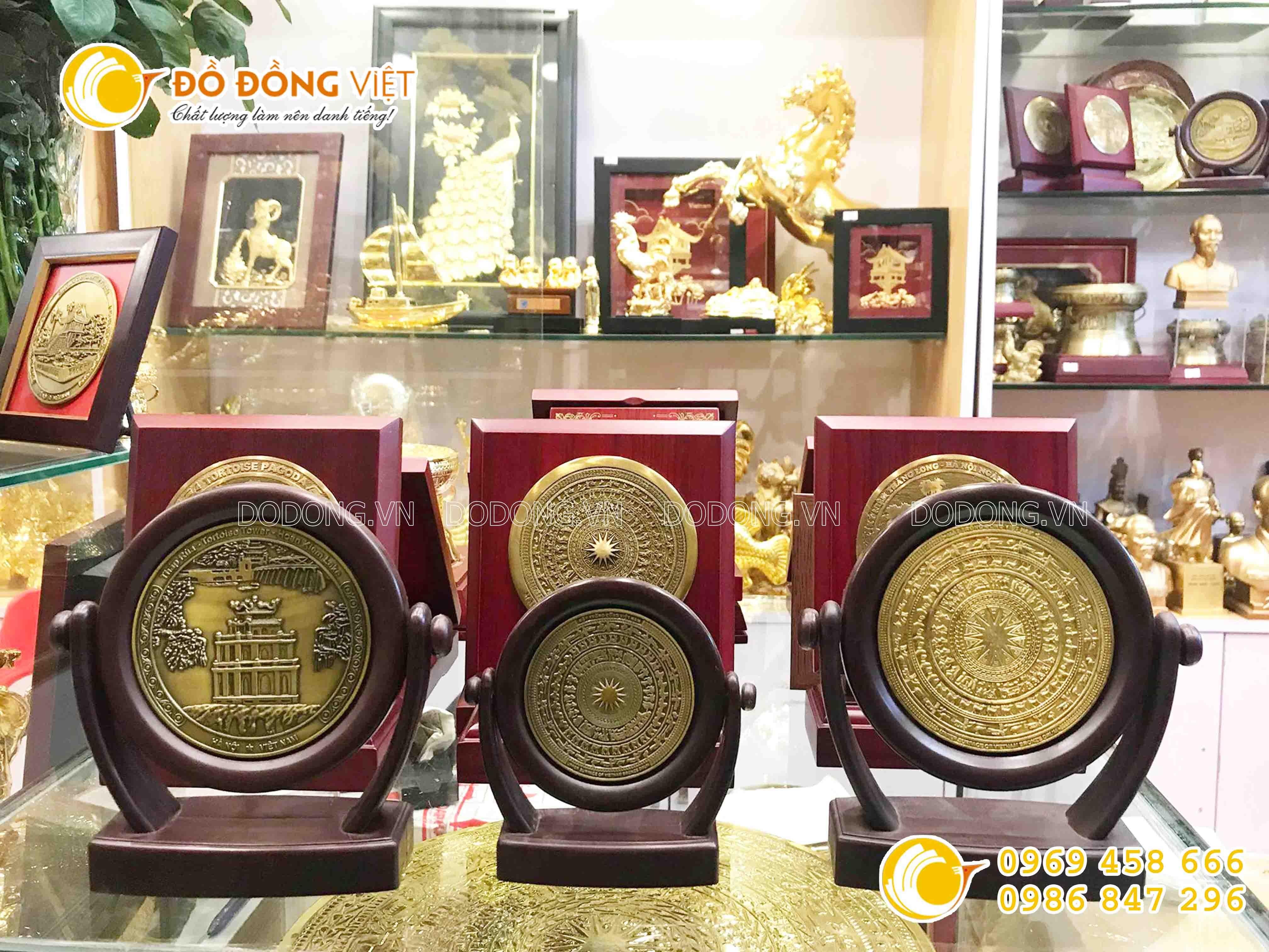 Đĩa đồng quà tặng mặt trống đồng Đông Sơn, đĩa quà tặng khắc Hồ Gươm0