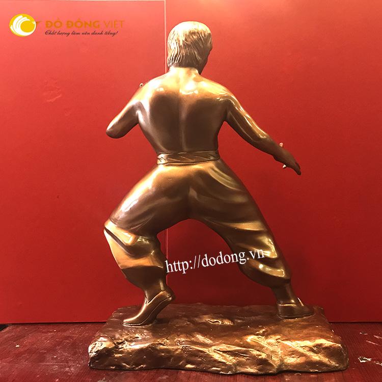 Tượng lý tiểu long đồng đỏ đúc thủ công theo mẫu tượng đài tại hồng kong