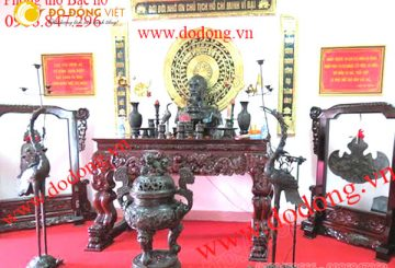 Bộ đồ thờ đồng đẹp cho không gian thờ cúng chủ tịch Hồ Chí Minh