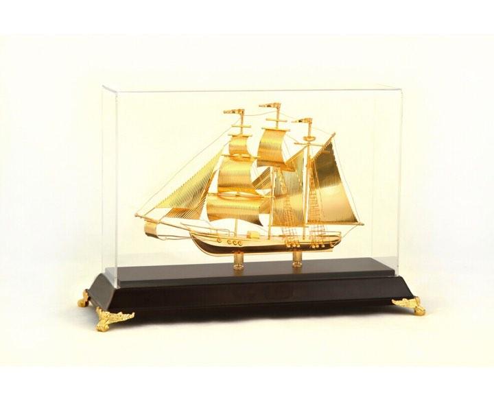 Thuyền buồm phong thủy để bàn làm việc 30 cm0