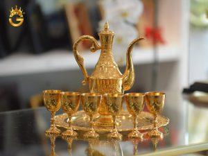 Bộ bình uống rượu mạ vàng 24k cao cấp với diện mạo cuốn hút