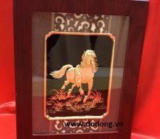 Tranh ngựa vàng 3d,tranh mã đáo thành công mang tài lộc đến