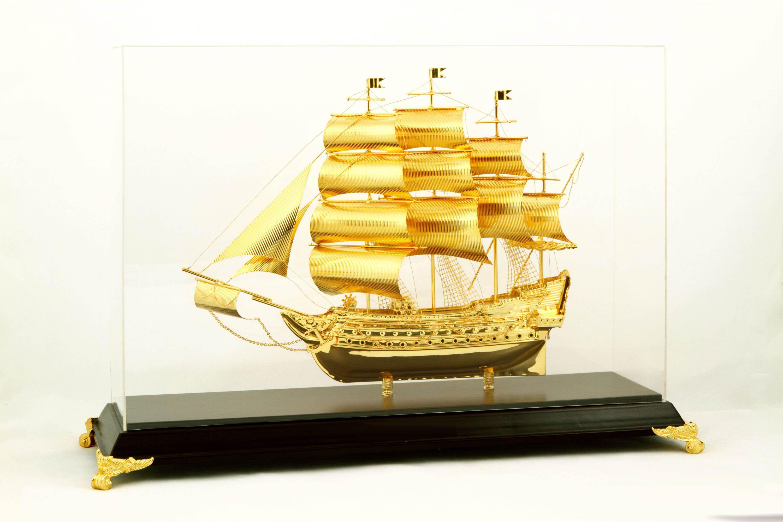 Qùa tặng doanh nhân, thuyền buồm xuôi gió mạ vàng 24k
