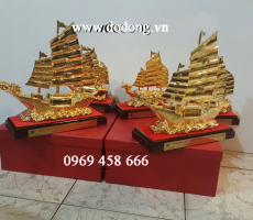 Biểu tượng thuyền buồm,thuận buồm xuôi gió bằng đồng mạ vàng