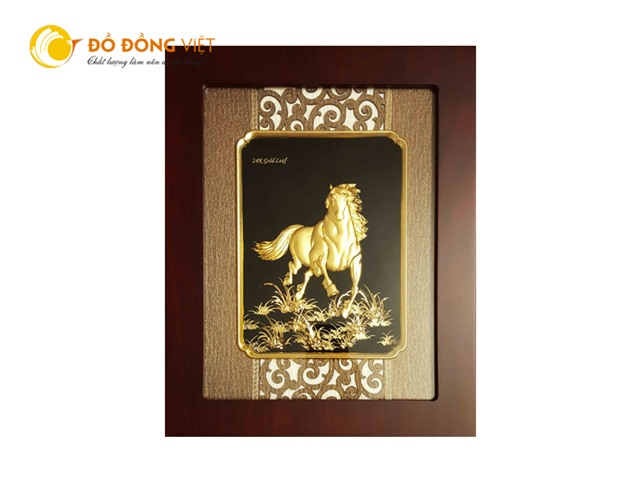 Tranh ngựa dát vàng lá 9999 quà tặng khách nước ngoài độc đáo0