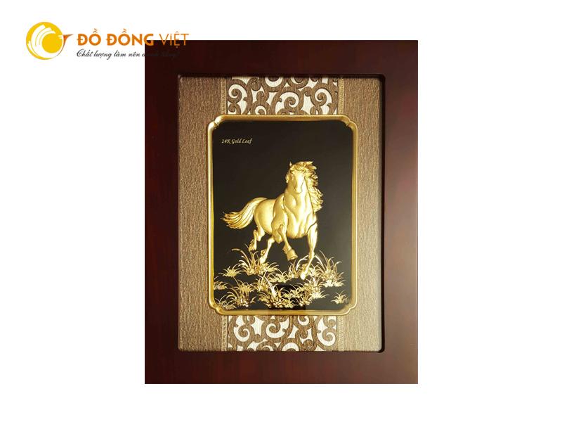 Tranh ngựa dát vàng lá quà tặng độc đáo dành cho khách nước ngoài0