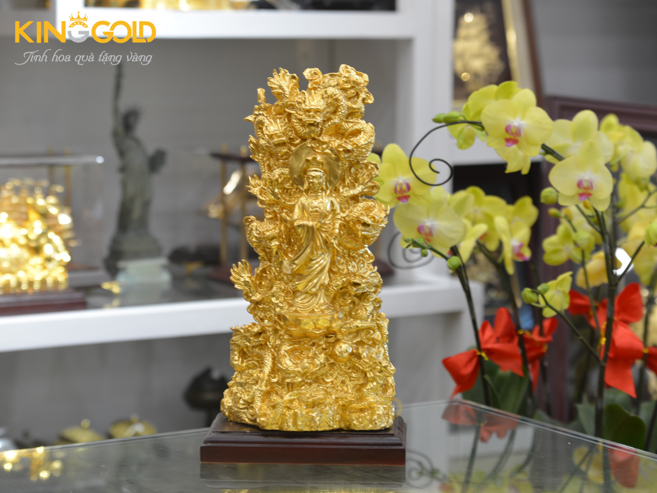 Tượng Quán Thế Âm Bồ Tát tọa Cửu Long dát vàng 24k0
