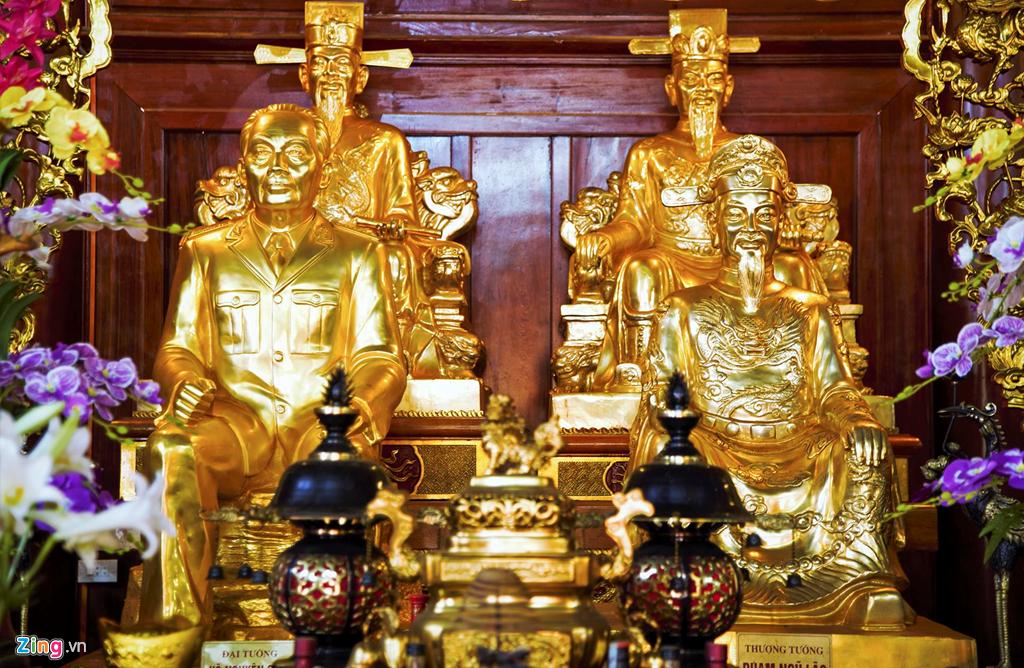 Đúc tượng thờ trong đền thờ, từ đường dòng họ uy tín0