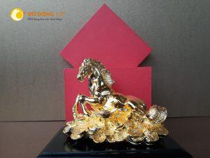 Giá bán tượng ngựa phong thủy mạ vàng