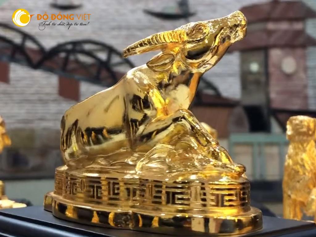 Quà tặng linh vật Tết Tân Sửu- tượng trâu đồng mạ vàng 24k0